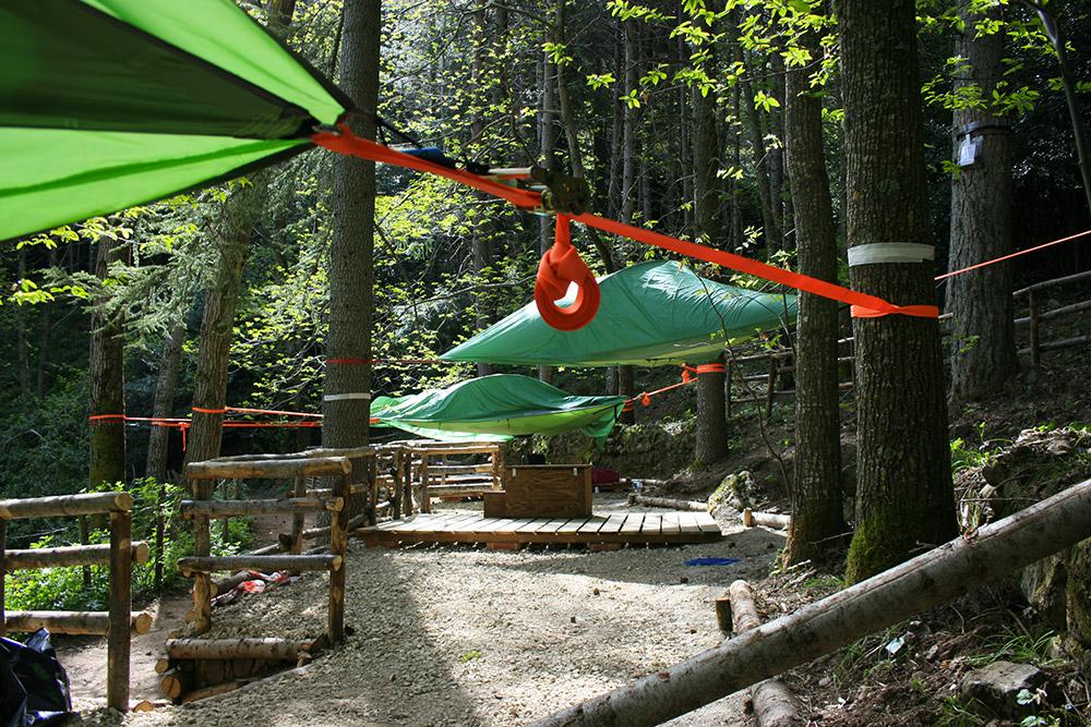 Il nuovo villaggio di tende sospese